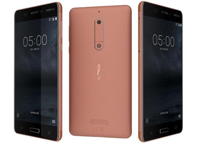 Bakır renk Nokia 6 telefonu.